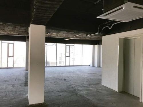 excelente oficina en renta de 361 m2 en colonia cuauthémoc.