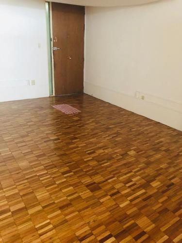 excelente oficina en renta de 60 m2. p4