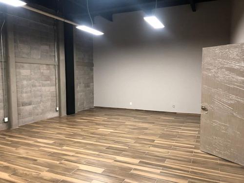 excelente oficina en renta de 66 m2 en plaza comercial arboledas.