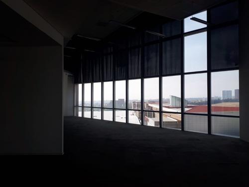 excelente oficina en renta de 669 m2 en santa fe.