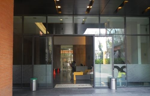 excelente oficina en renta de 793 m2 en del valle sur.
