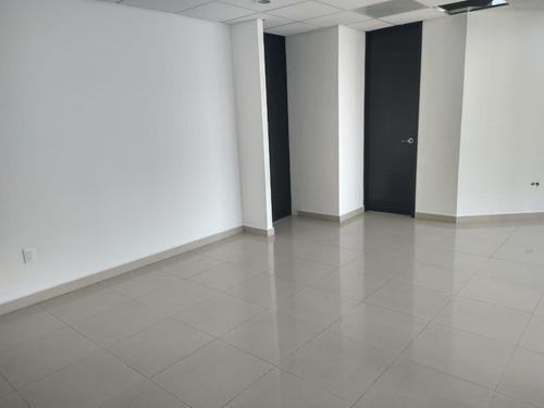 excelente oficina en renta en parque interlomas de 192 m2