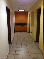 excelente oficina en venta de 400 m2 en del valle norte