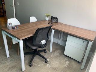 excelente oficina equipada en renta para 2-5 personas en toreo.