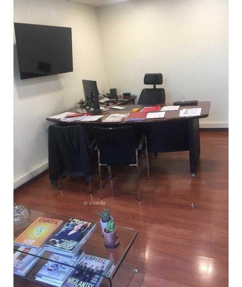 excelente oficina habilitada / luis carrera con las hualtatas