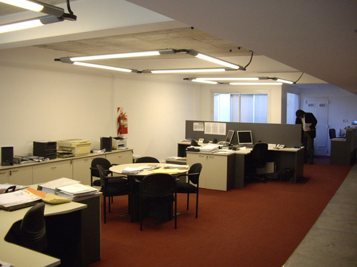 excelente oficina obelisco  220 m² 2 coch totalm reciclada