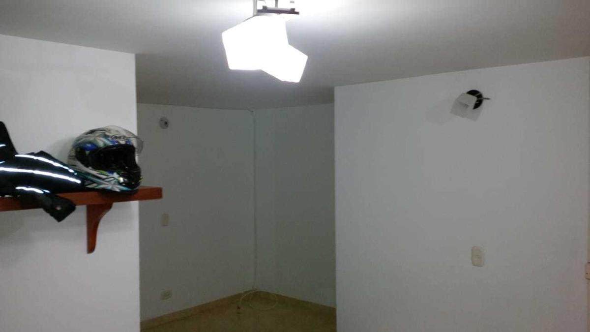 excelente oportunidad ganga 2 piso ,3 habitaciones ,1 baño