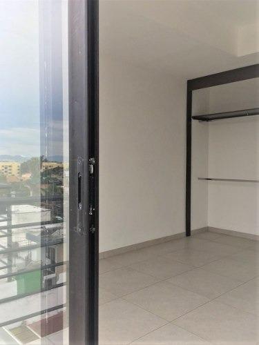 excelente penthouse en av patria edificio nuevo