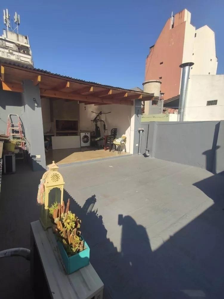 excelente ph  con terraza y parrilla reciclado a nuevo