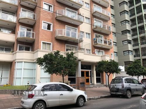 excelente piso 260 m² con 2 cocheras - frente a la plaza b. mitre - ramos mejía