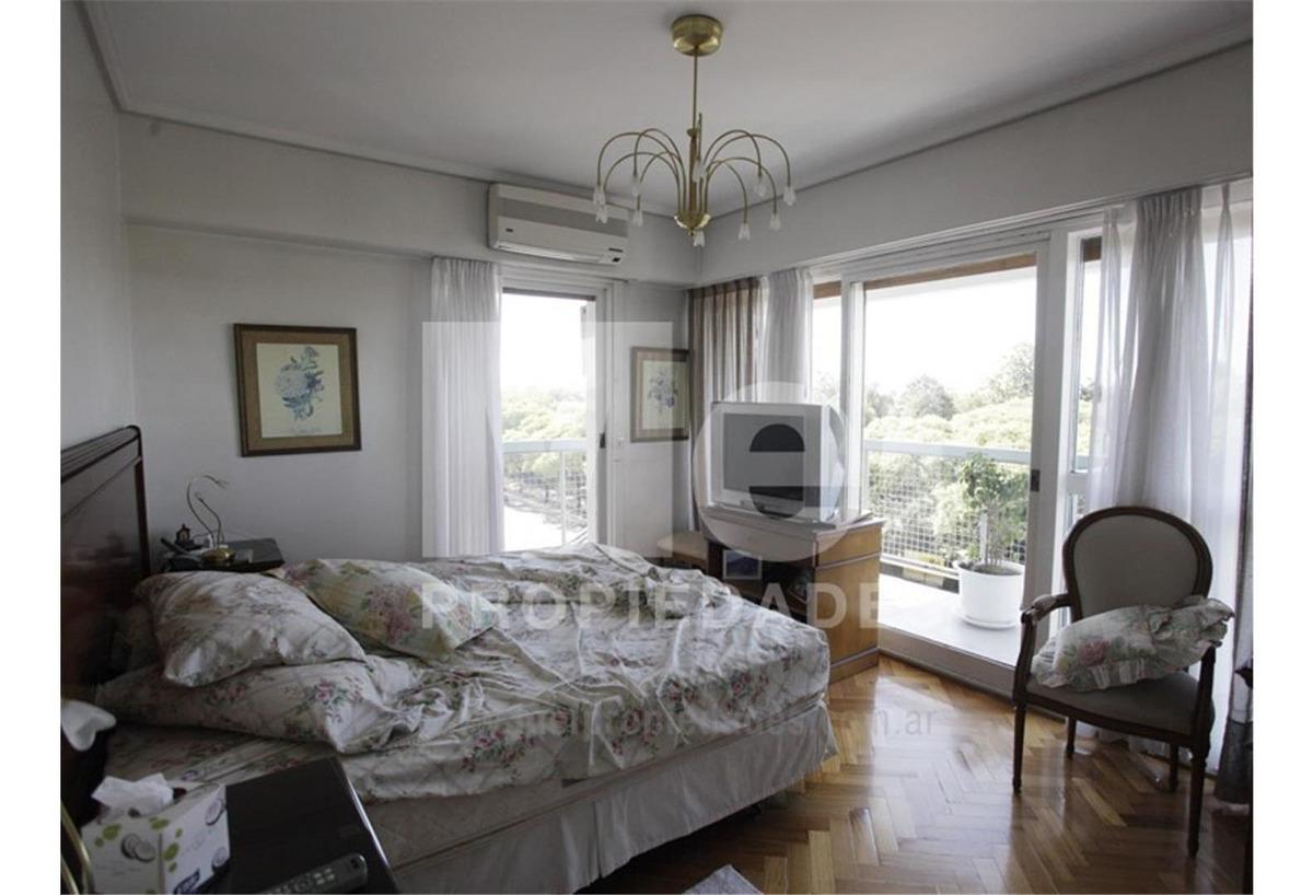 excelente piso 3 dormitorios, toilette, dependencias,cochera