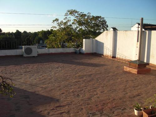 excelente piso de 4 ambientes con terraza