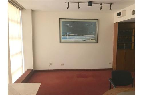 excelente piso en edificio de categoría