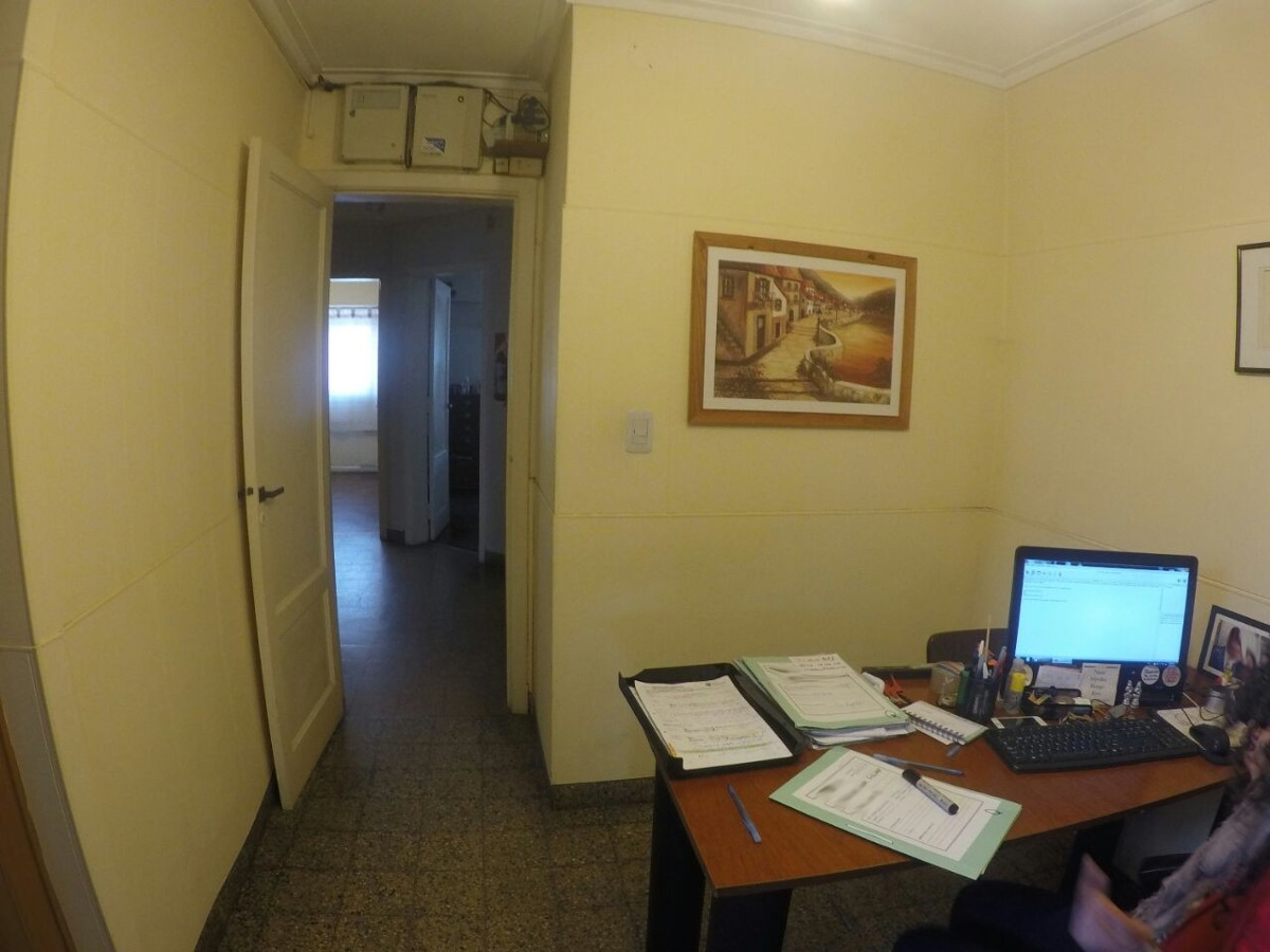 excelente piso en quilmes centro - apto comercio o vivienda
