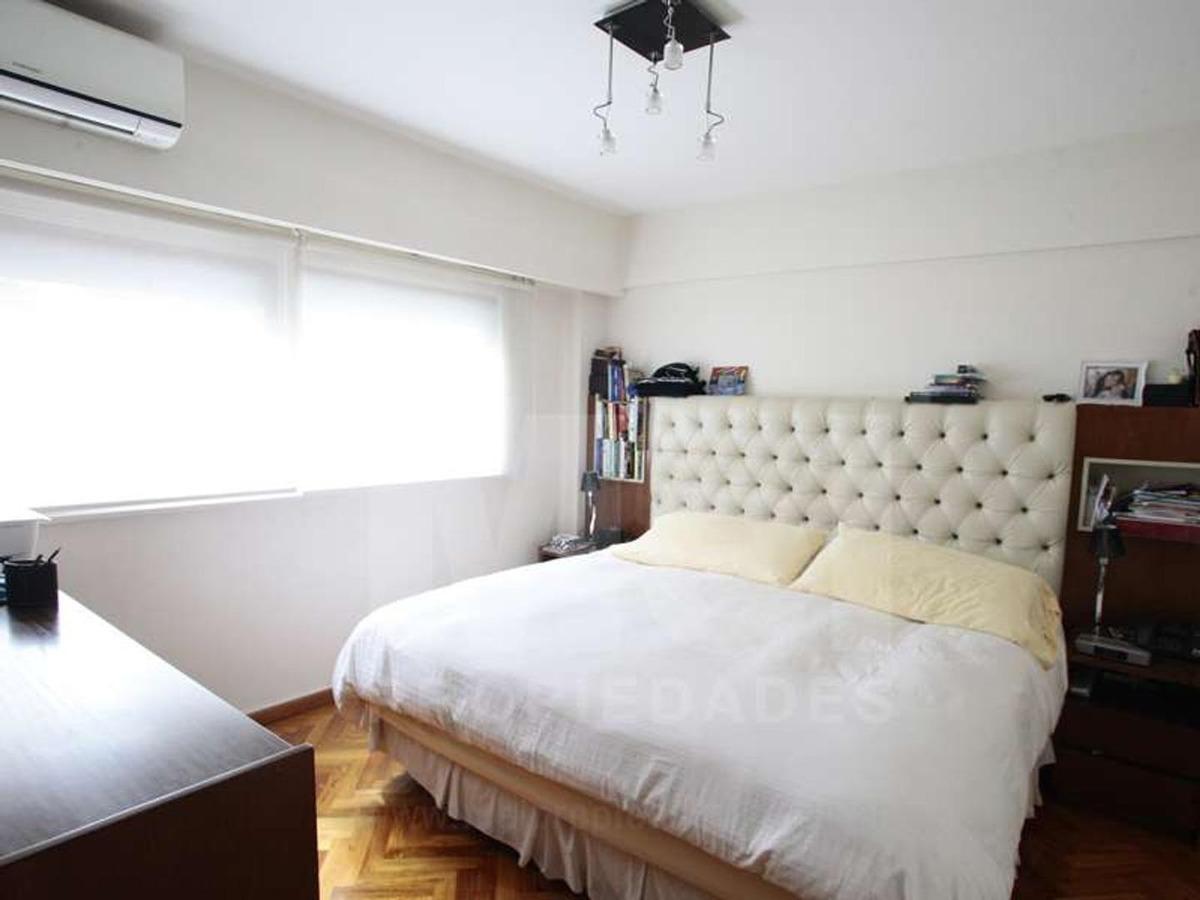 excelente piso en torre reciclado con cochera fija