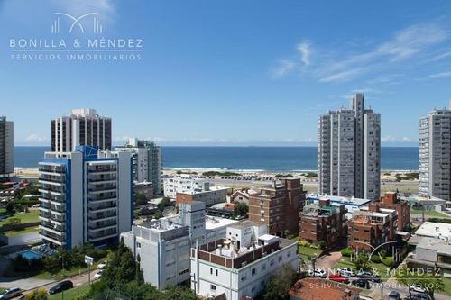 excelente planta y vista, torre manhattan, 3 dormitorios, 2 baños, parrilla propia en balcón
