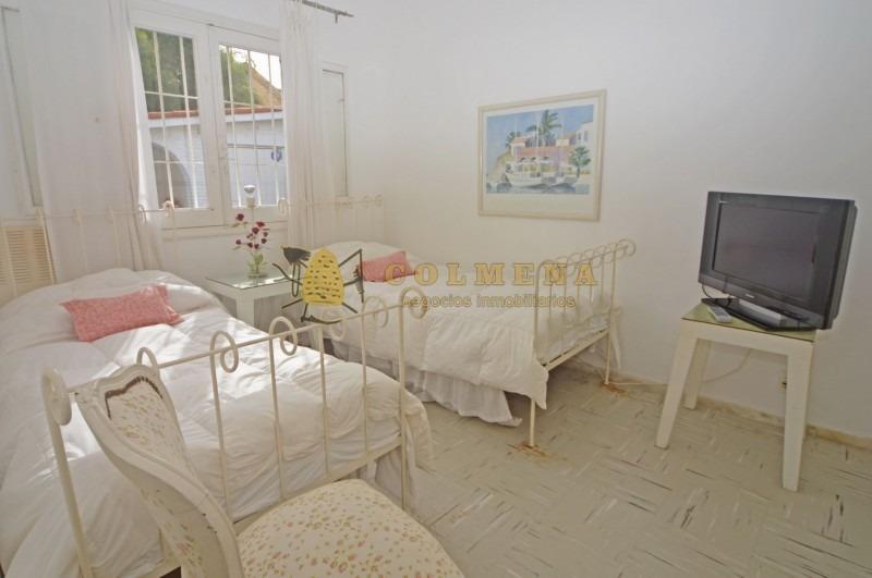 excelente propiedad a metros de playa mansa consulte!-ref:2430