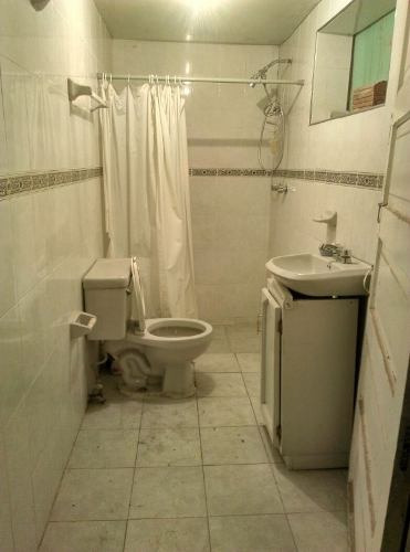 excelente  propiedad, buena ubicación, especial para proyecto de re_construcción (casa,negocio u ofi