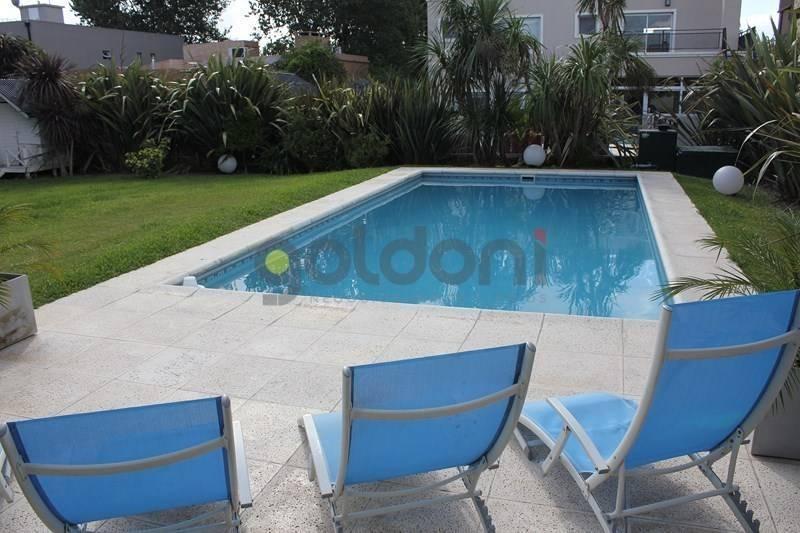 excelente propiedad con piscina en altos de hudson ll