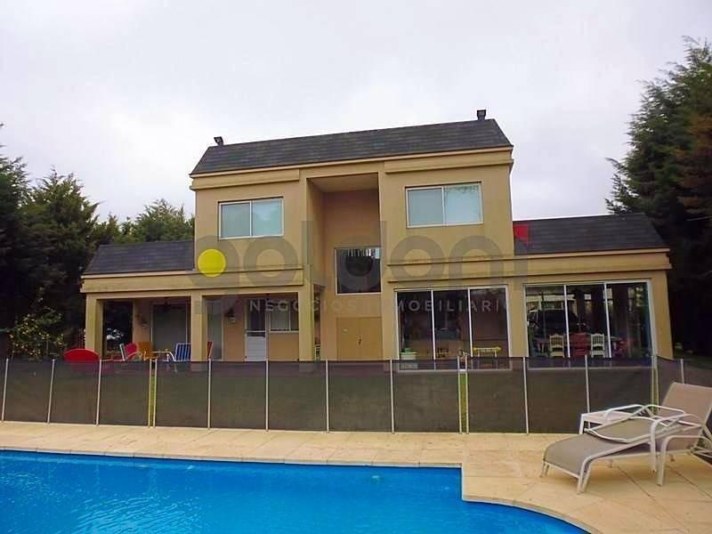 excelente propiedad en 2 plantas con piscina en la cándida!