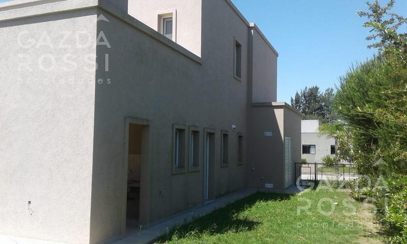excelente propiedad estilo moderno en barrio privado don joaquín, canning