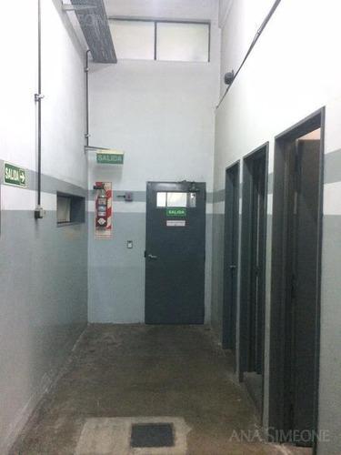 excelente propiedad industrial de 2.550 m2