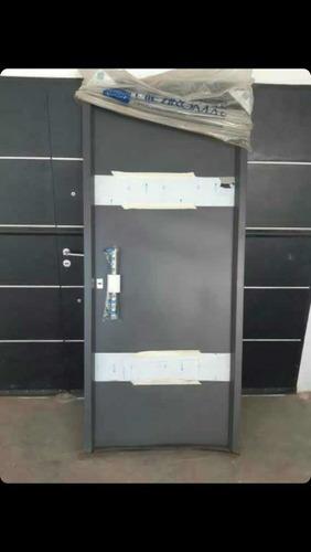 excelente puerta doble chapa inyectada hierromas.con barral