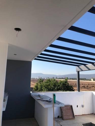 excelente residencia en venta en solares