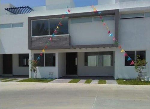excelente residencia en venta en solares en guadalajara