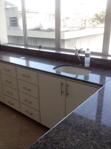 *excelente sala com bancada e armários para consultório. - 2000596