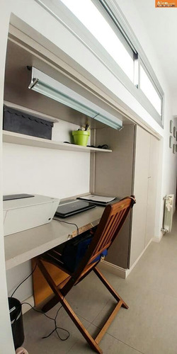 excelente semipiso en venta- 3 ambientes con cochera