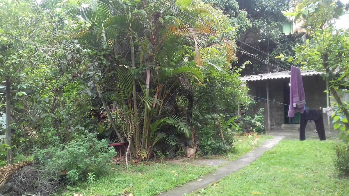 excelente terreno com 2 casas (a serem reformadas/demolidas)