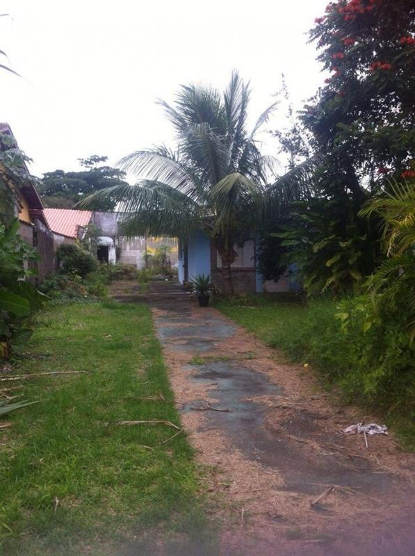 excelente terreno com pequena casa.  ref.0037 l c