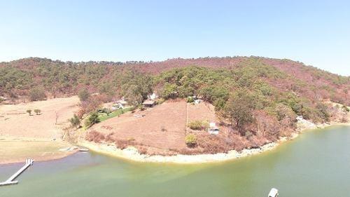 excelente terreno con vista y acceso al lago