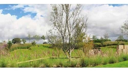 excelente terreno en boques vallarta (frente a rancho contento)
