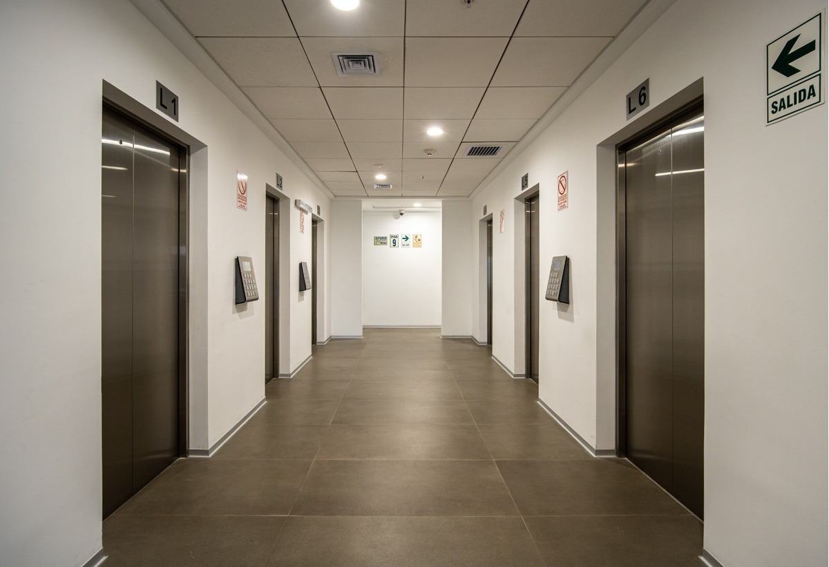 excelente ubicación, moderno edificio, papeles en regla