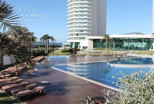 excelente unidad de 3 suites, principal con doble baño, todos los ambientes con vista directa al mar