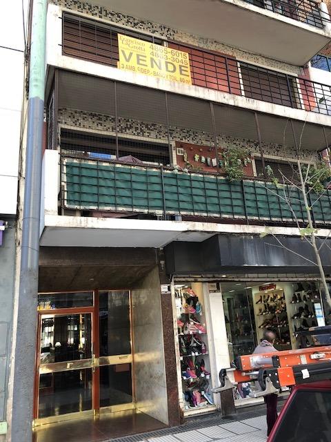 excelente unidad de 4 ambientes al frente con balcon