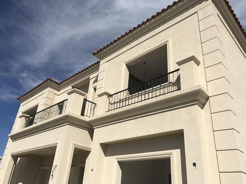 excelente venta casa  5 ambientes con escritorio sobre lote al agua - barrio san francisco, villanueva