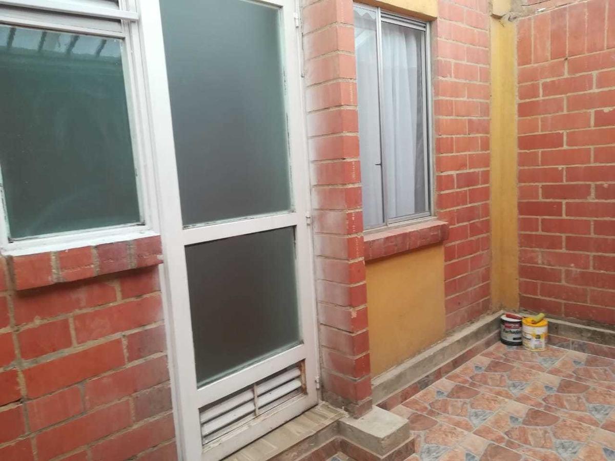 excelente y acogedora casa de 3 niveles recién remodelada