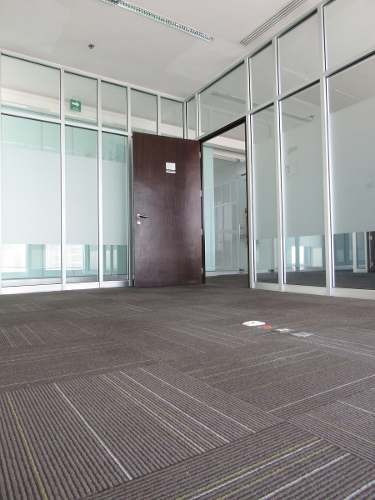 excelentes oficinas frente a la agencia honda colomos