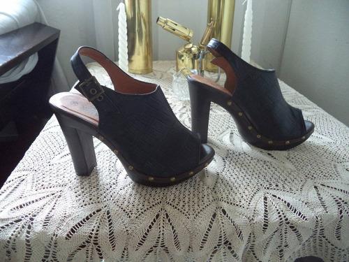 excelentes sandalias cuero y plataforma