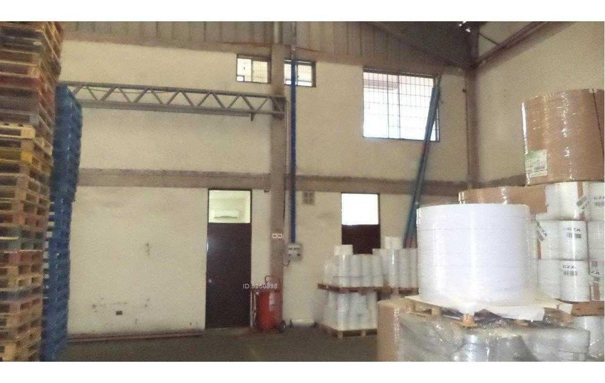 excepcional estándar de construcción. seguridad. oficinas 96m2.