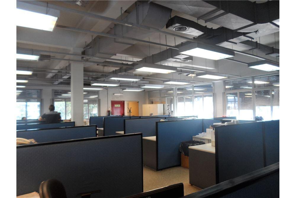 excepcional! oficinas-cocheras- 3 plantas!!