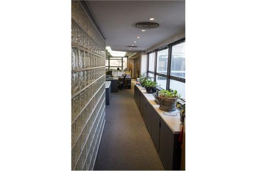 excepcional piso de oficinas, 250 m2, monserrat.