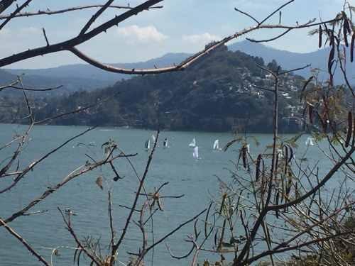 excepcional terreno con vista al lago!!!!