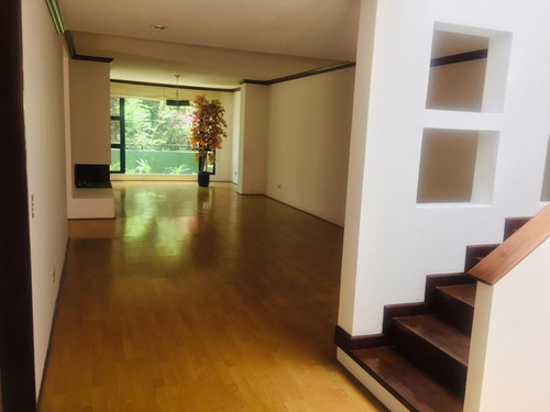 exclusiva casa en renta en zona 15 en condominio