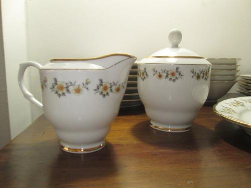 exclusiva colección vajilla antigua diseño con florecitas