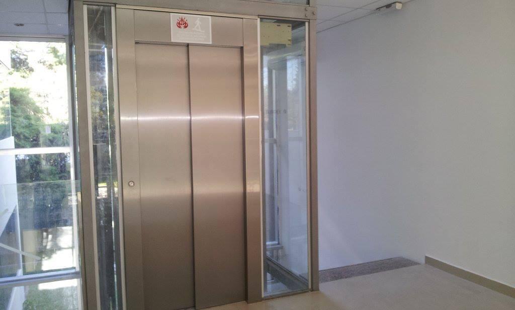 exclusiva oficina 100 m2. bureau leloir. en venta renta inm.