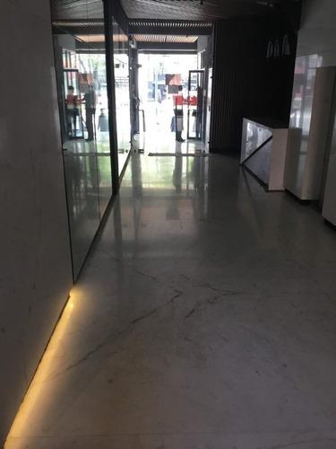 exclusiva oficina en renta de 175 m2 en letrán valle. mc